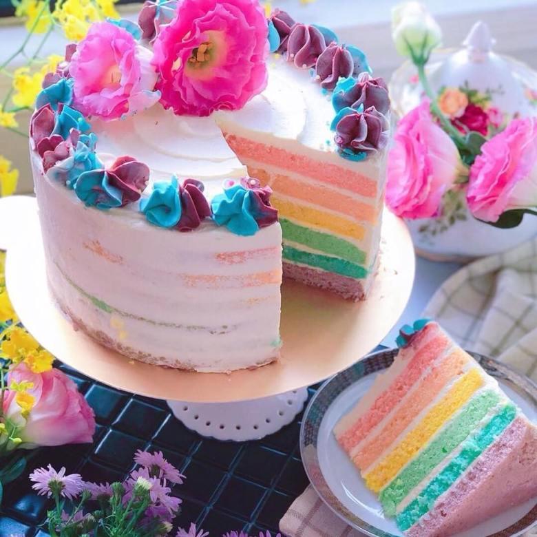 幸せレインボーケーキ